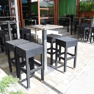 Barski stoli umetni ratan