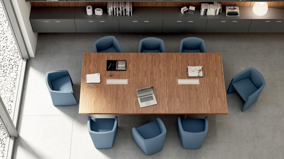 Konferenčni stoli