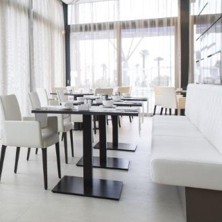 Oblazinjeni stoli